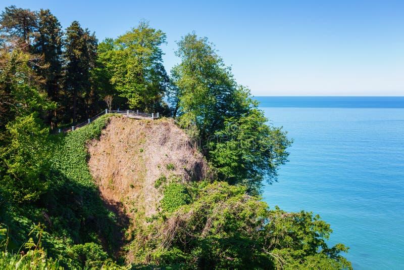 Piękny Sceniczny lato widok Od ogródu botanicznego morze linia kolejowa Na wybrzeżu I zatoka, Batumi, Gruzja zdjęcia stock