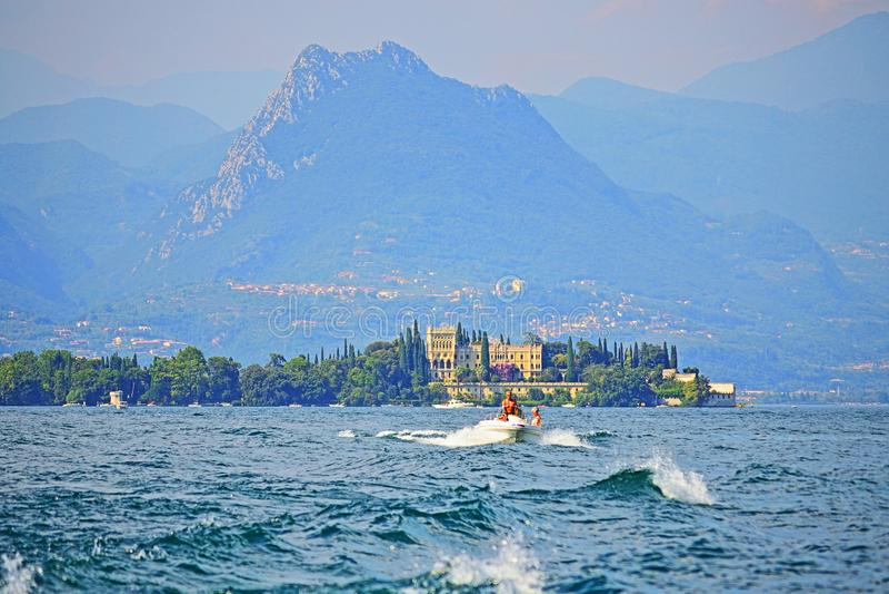 Piękny sceniczny widok Garda jezioro Włochy obraz royalty free