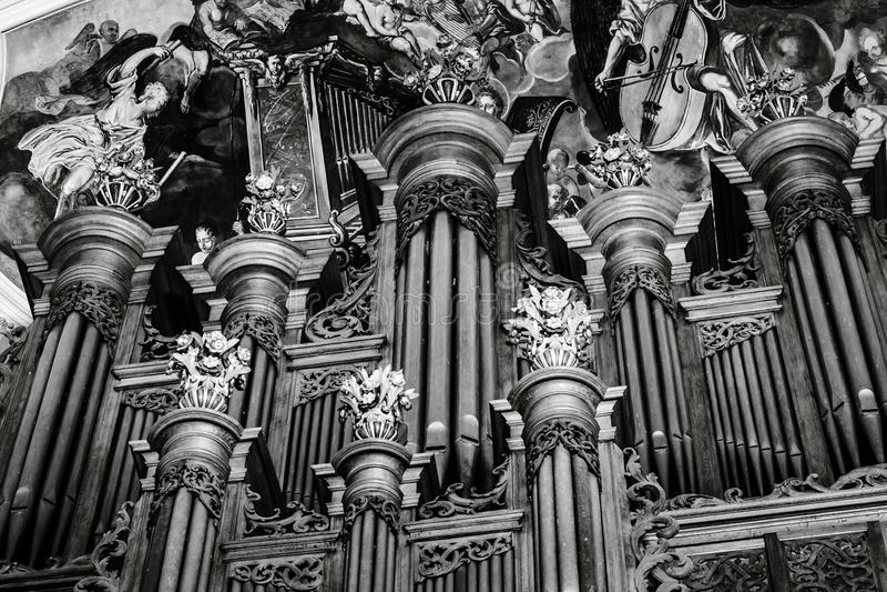 Piękny Silbermann fajczany organ w barokowym kościół, Ebersmunster, fotografia royalty free