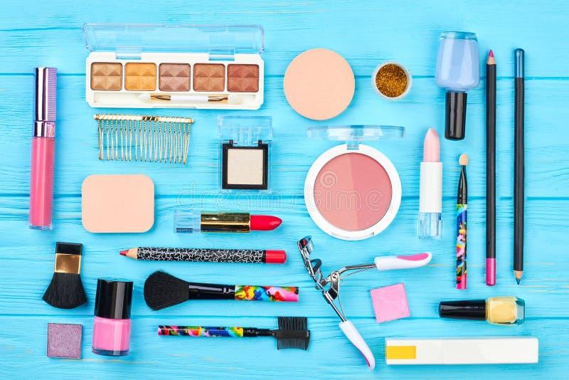 Piękny skład dekoracyjni kosmetyki obrazy stock