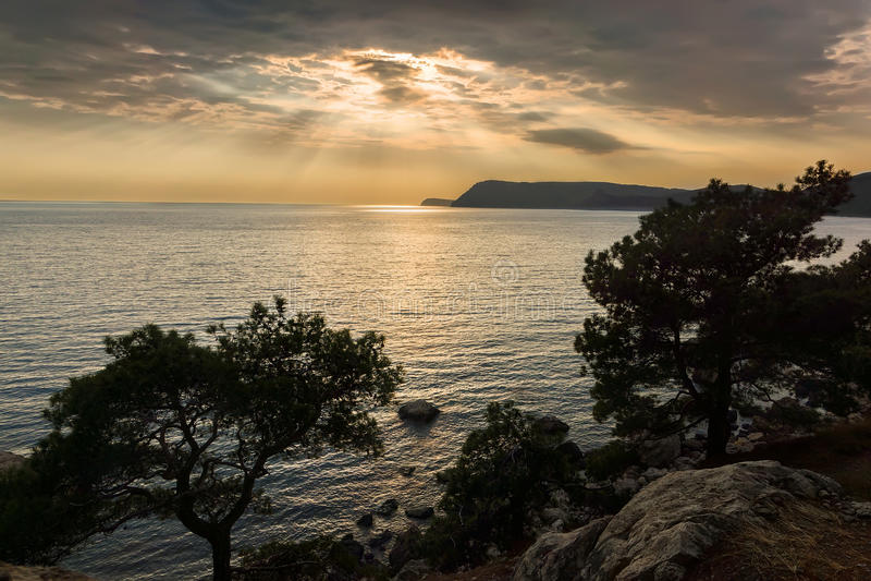 Piękny spokojny zmierzch na Czarnym morzu, zdjęcia royalty free