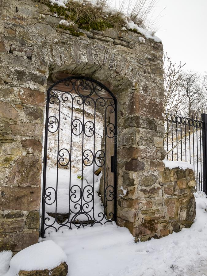 Piękny stary drzwi przy Kronenburg, Niemcy w zimie obrazy stock