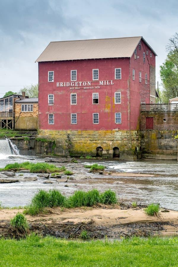 Piękny stary młyn w Bridgeton Indiana usa zdjęcie royalty free