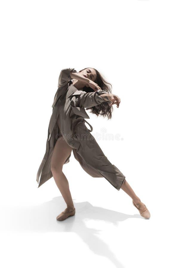 Piękny szczupły młody żeński nowożytnego jazzu współczesnego stylu baletniczy tancerz obraz stock