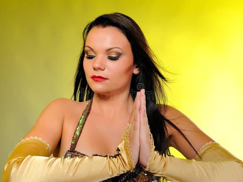 piękny tancerz robi scenie w górę kobiety zdjęcia stock