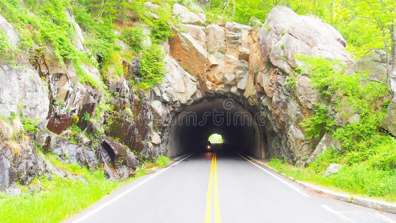 Piękny tunel, Shenandoah park narodowy, linia horyzontu zdjęcia royalty free