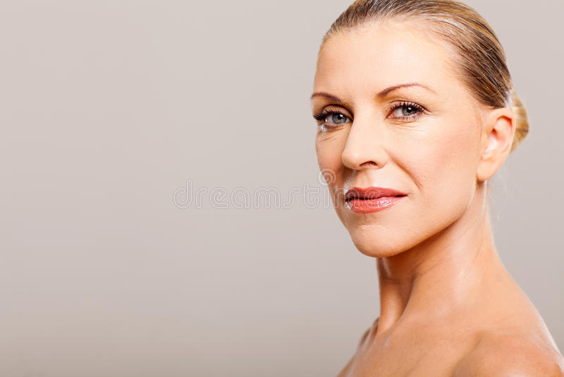 W średnim wieku kobieta zdjęcia royalty free