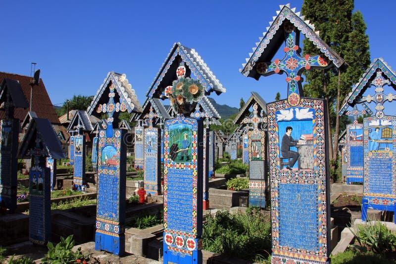 Piękny Wesoło cmentarz w Sapanta, Rumunia zdjęcia stock