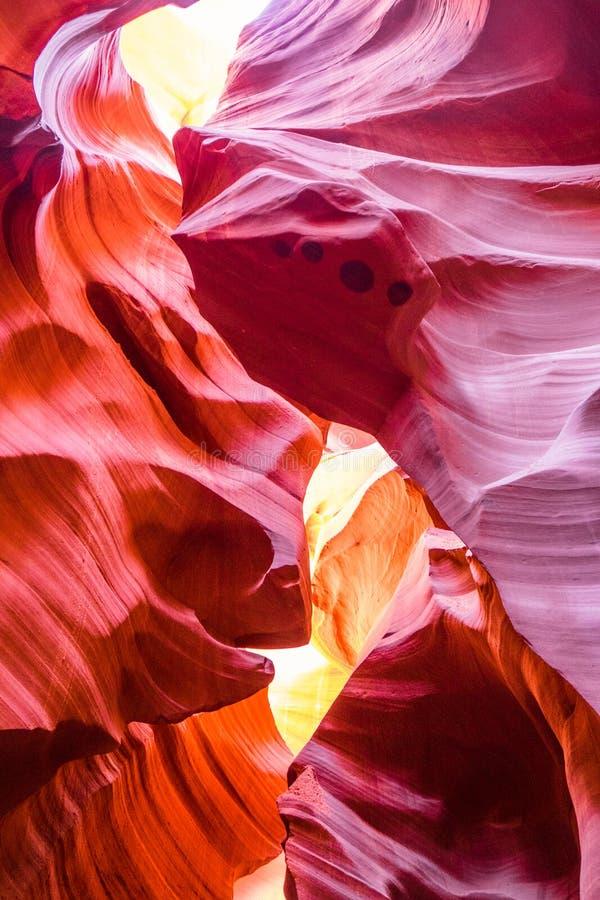 Piękny widok antylopa jaru piaskowcowe formacje w sławnego Navajo Plemiennego parka narodowego pobliskiej stronie, Arizona, usa obrazy stock