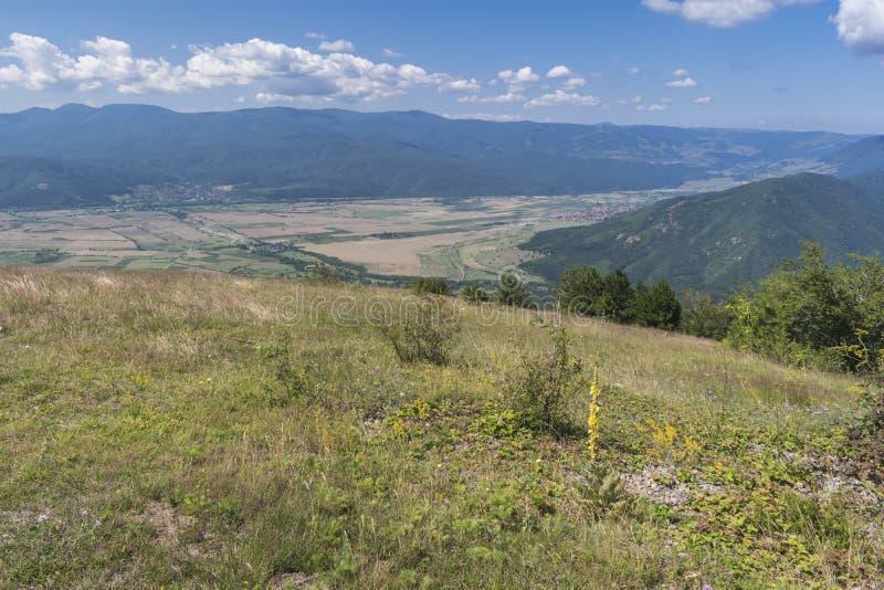 Piękny widok górski od Troyan przepustki Troyan Bałkański jest wyjątkowo malowniczy i oferuje kombinację cudowny obrazy stock