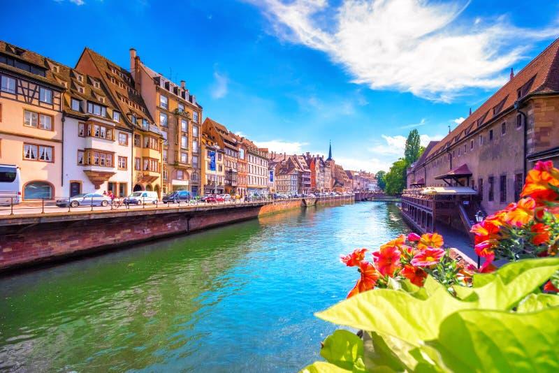 Piękny widok historyczny miasteczko Strasburg, Alsace zdjęcie stock