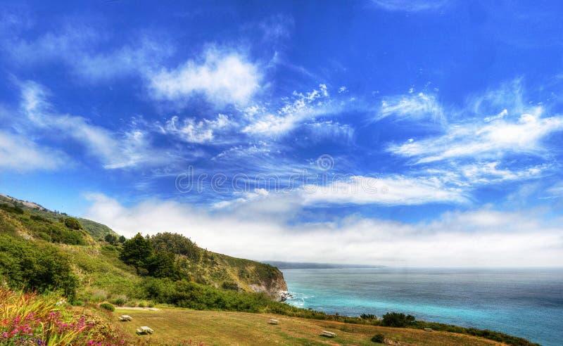 Piękny widok Kalifornia linia brzegowa wzdłuż stan drogi 1 - usa fotografia stock