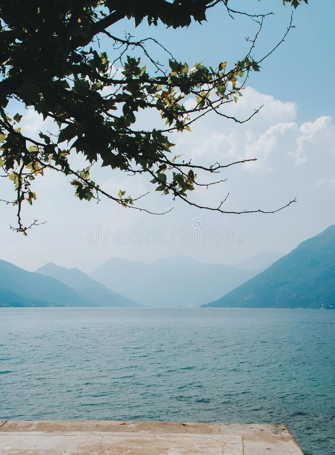 Piękny widok na Boka-Kotor zatoce zdjęcia stock