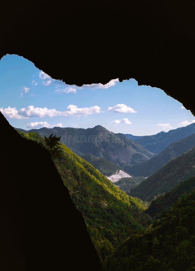 Piękny widok na wierzchołku góra w Shinshiro, Japonia obraz stock