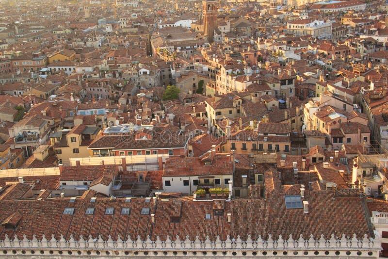 Piękny widok od dzwonkowy wierza Campanella Muzealny Correr i panoramy miasto w Wenecja, Włochy obraz stock