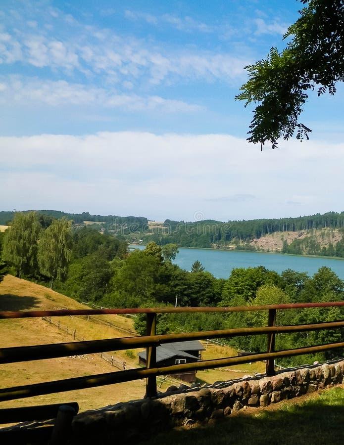 Piękny widok Ostrzyckie jezioro w Kolanie, Wiezyca region, Polska fotografia royalty free