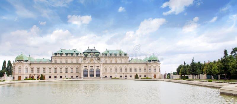 Piękny widok sławny Schloss belwederu kasztel, Wiedeń, Austria zdjęcia stock