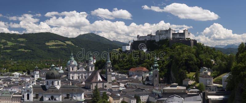 Piękny widok Salzburg z Festung Hohensalzburg fotografia royalty free