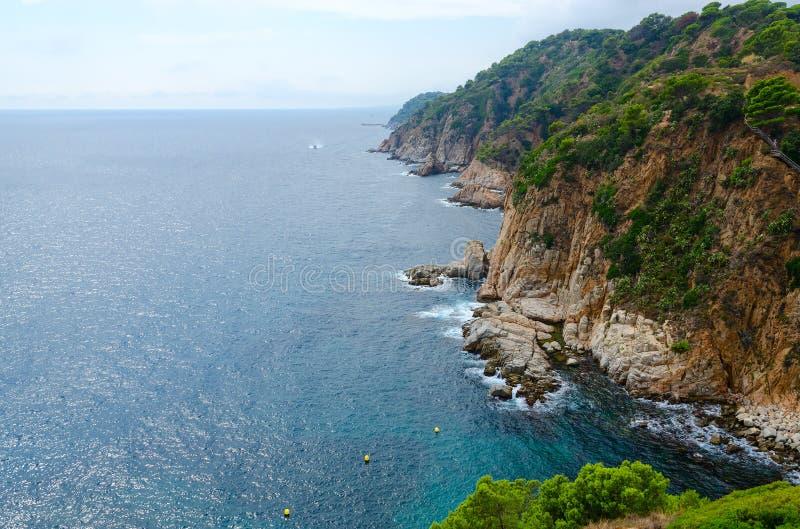 Piękny widok skalisty wybrzeże, Tossa De Mar, Costa Brava, Hiszpania fotografia stock