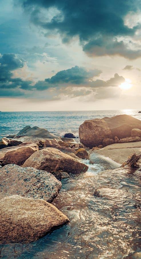 Piękny widok tropikalna linia brzegowa zdjęcie stock