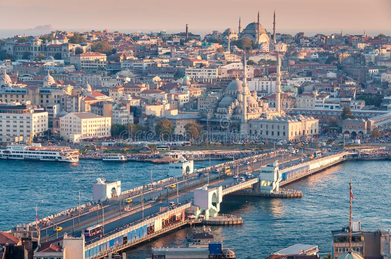 Piękny widok z lotu ptaka Istanbuł historyczny centre z Galata mostem obrazy royalty free