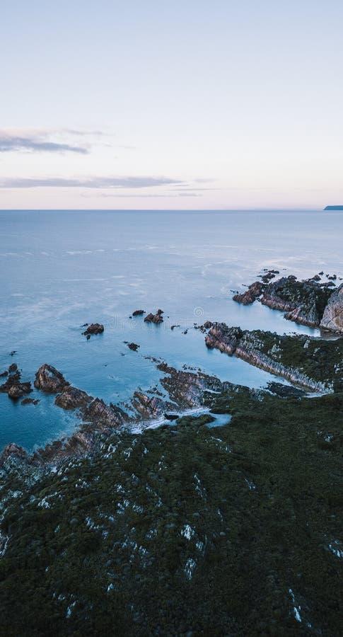Piękny widok z lotu ptaka Skalisty przylądek, Tasmania zdjęcia stock