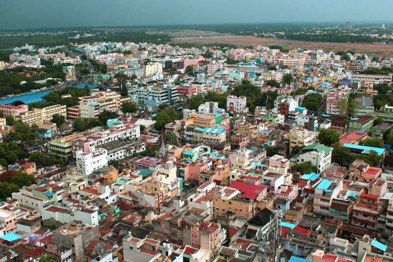 Piękny widok z lotu ptaka trichirappalli miasta domy z cauviri rzeką zdjęcia stock
