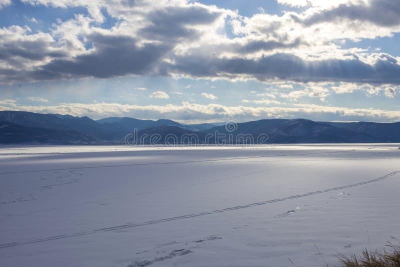 Piękny widok zamarznięty Baikal zdjęcia royalty free