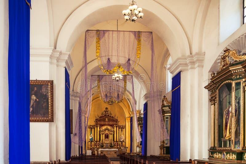 Piękny wnętrze świętego James katedra w Antigua zdjęcie royalty free
