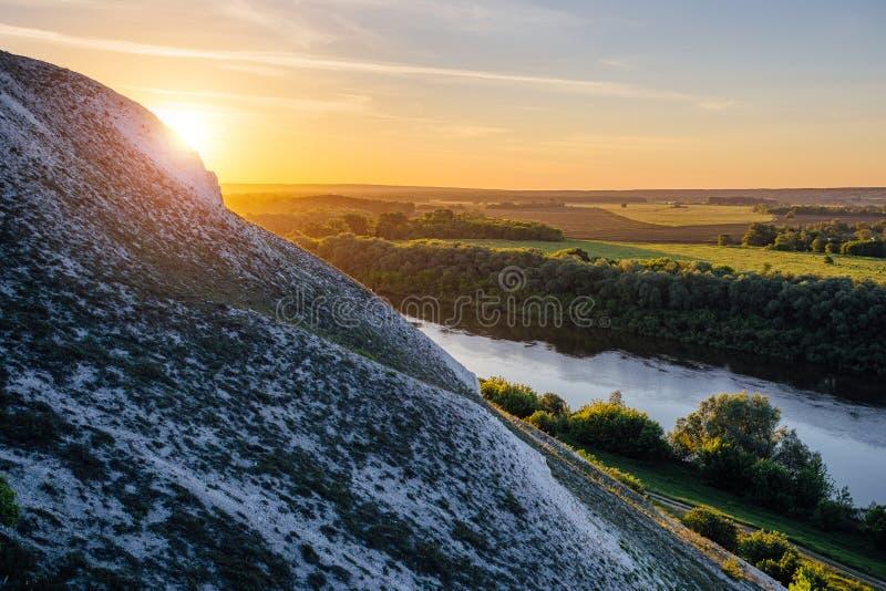 Piękny wschód słońca nad rzeka Don i chalky wzgórza, Voronezh region zdjęcia stock