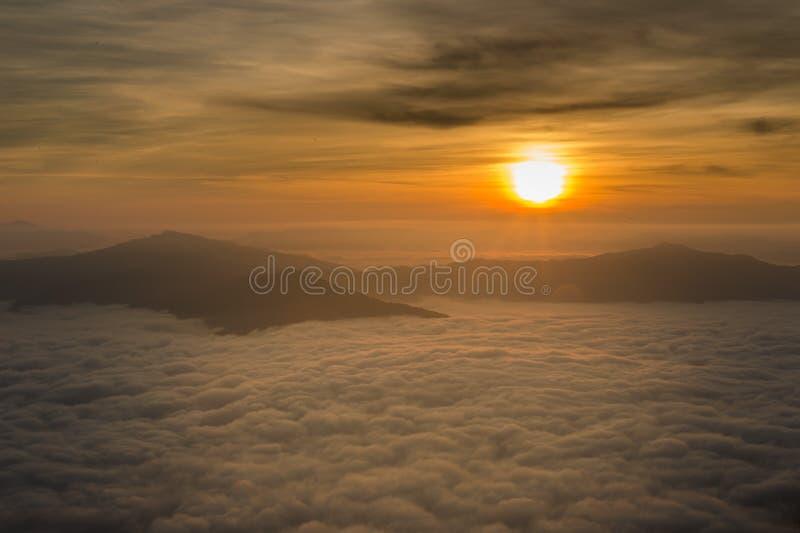 Piękny wschód słońca w Chiang raja Thailand fotografia royalty free