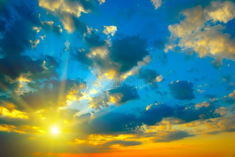 piękny zachód słońca bright zdjęcia royalty free