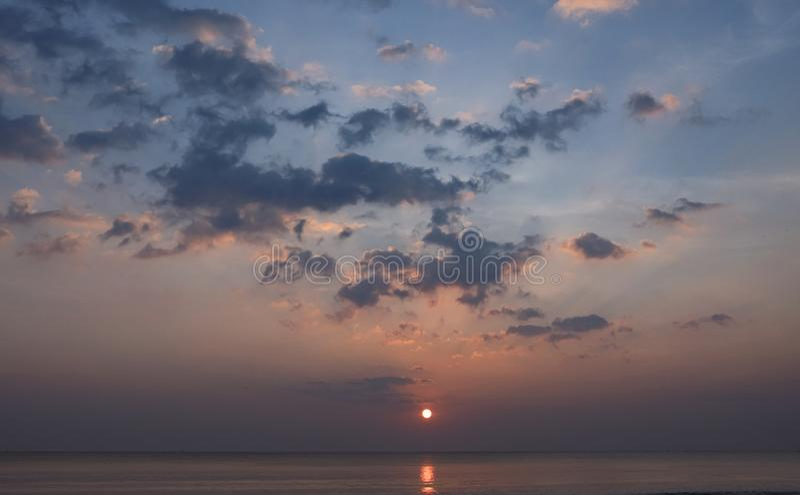 piękny zachód słońca morza zdjęcie royalty free