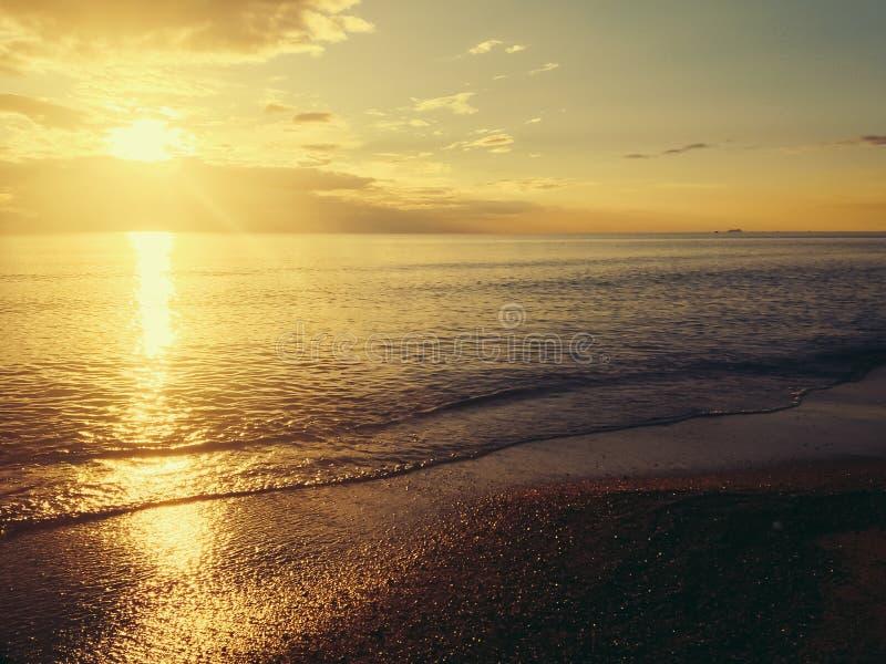 piękny zachód słońca na plaży obraz stock