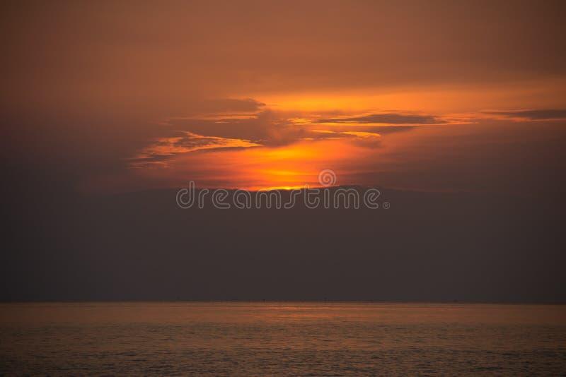 piękny zachód słońca w tle zdjęcia royalty free