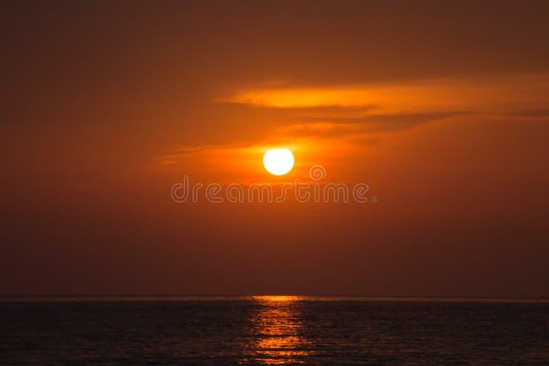 piękny zachód słońca w tle zdjęcie stock
