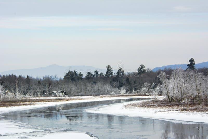 Piękny zima dzień w górach zdjęcie stock
