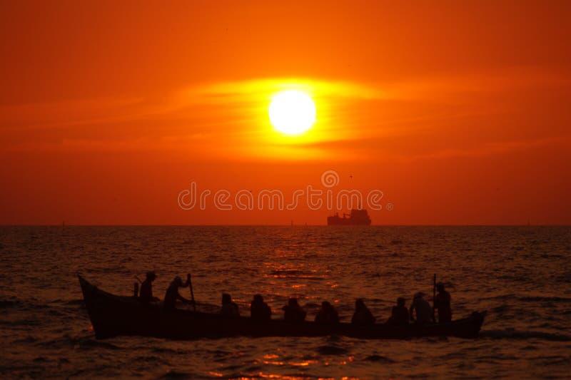 Piękny zmierzch na plażowym Mangalore zdjęcia royalty free
