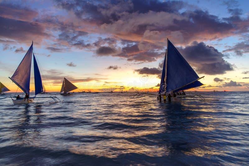 Piękny zmierzch przy Boracay bielu plażą fotografia royalty free