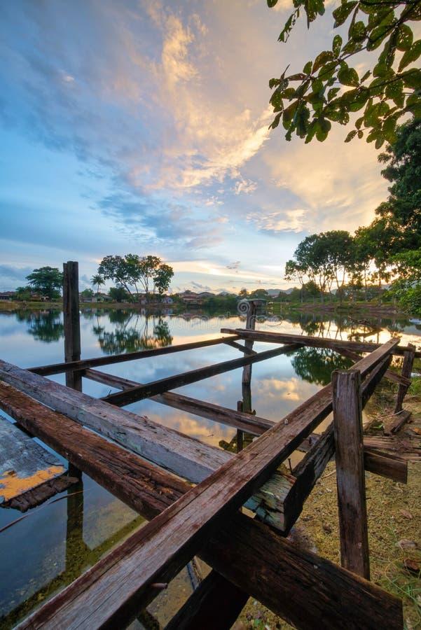 Piękny zmierzch przy Kampung Temiang w Ipoh, Malezja obraz royalty free