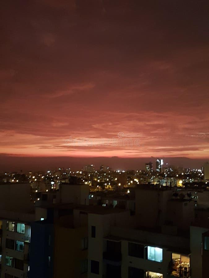 Piękny zmierzchu niebo Magdalena Perú obraz stock