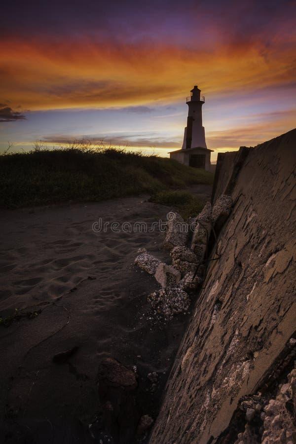 Piękny zmierzchu wizerunek pionowanie punktu latarnia morska obraz royalty free