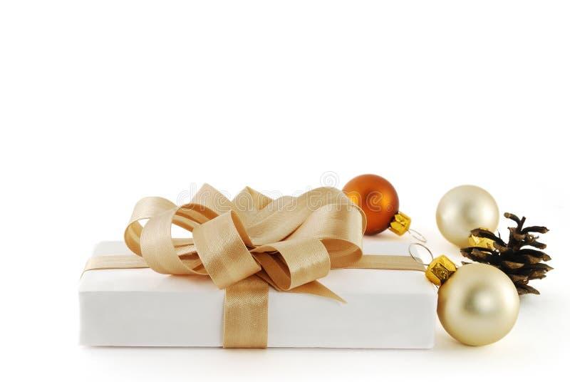 piłek bożych narodzeń prezent zdjęcie royalty free