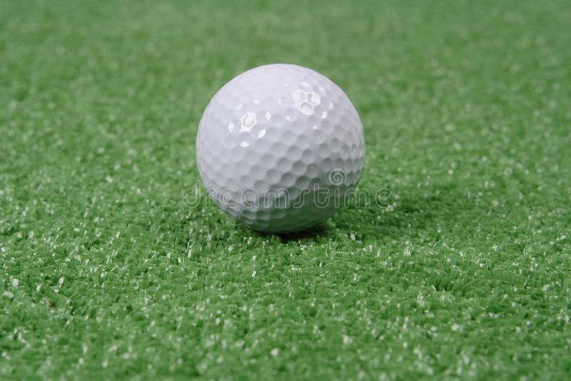 Piłka golfowa obraz royalty free