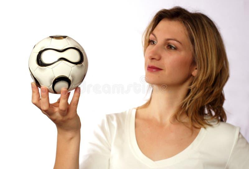piłka nożna na gospodarstwa obrazy royalty free