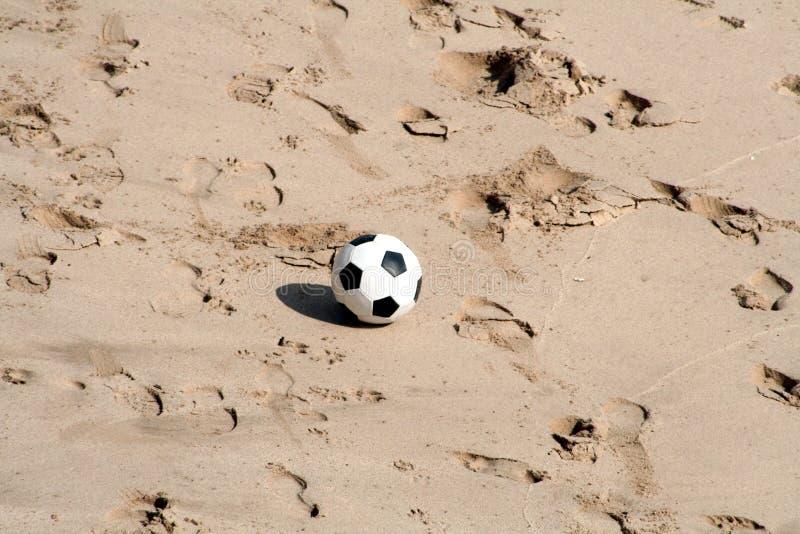 piłka nożna na plaży zdjęcia royalty free