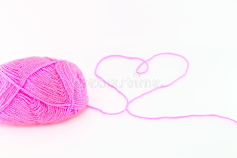 Download Piłka różowa przędza zdjęcie stock. Obraz złożonej z kolor - 28970982