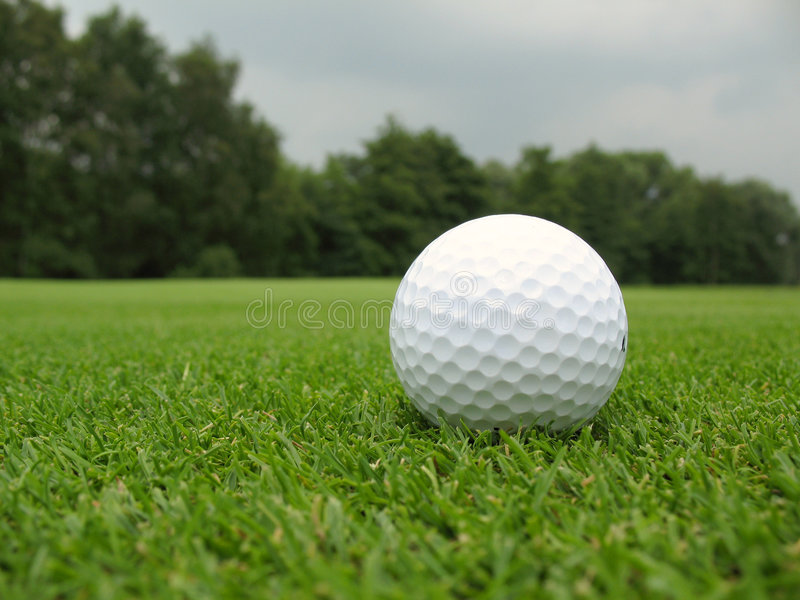 piłka w golfa obrazy stock