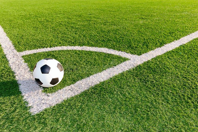 Piłki nożnej piłka w kącie fotografia stock