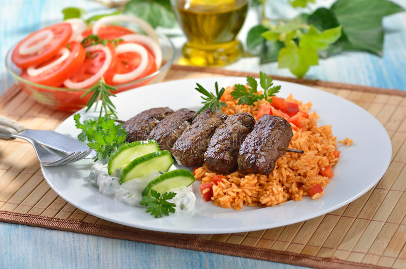 piłki piec na grillu mięso zdjęcie royalty free